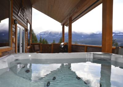mountain view chalet in golden bc