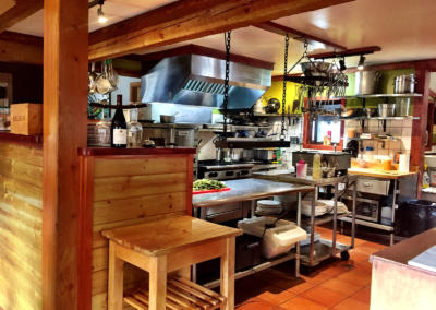 cedar-house-restaurant-kitchen