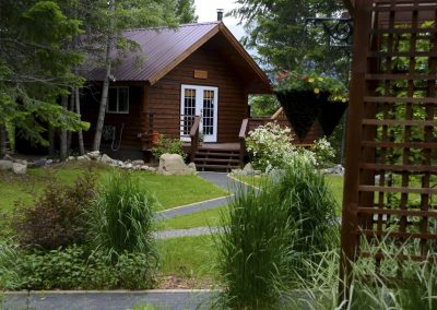 cabins-in-golden-bc-adventure-chalet-hot-tub-19