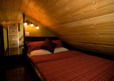 cabins-in-golden-bc-adventure-chalet-hot-tub-20