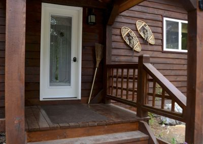 cedar-chalet-golden-bc-cabins-retreat-5