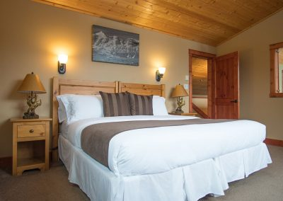 green-chalet-accommodation-golden-bc-master-bedroom