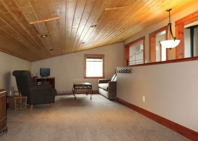 green-chalets-accommodation-golden-bc-25