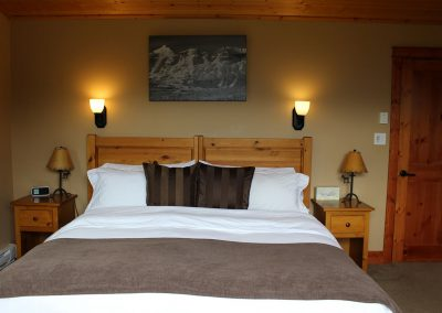 green-chalets-accommodation-golden-bc-34