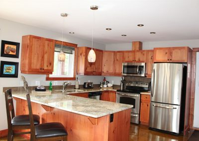 green-chalets-accommodation-golden-bc-35