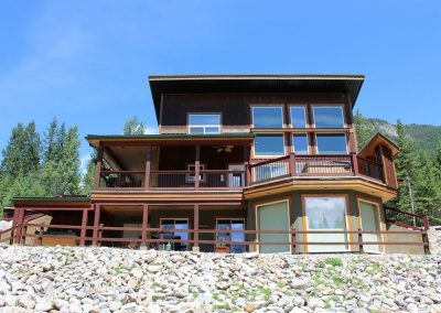 green-chalets-accommodation-golden-bc-55