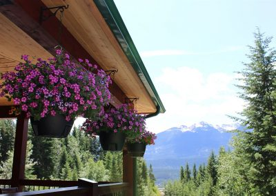 green-chalets-accommodation-golden-bc-57