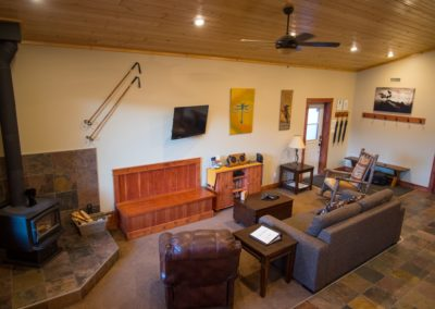 Cedar_House_Chalets_Golden_Accommodation_Dragonfly_Chalet_Living_Room (3)