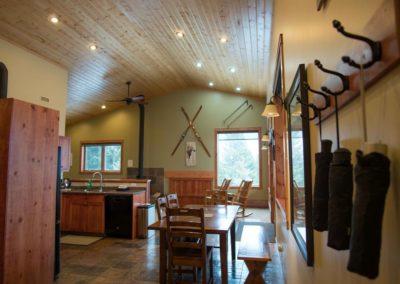 Cedar_House_Chalets_Accommodation_Golden_Kitchen (3) - Copy