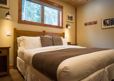 Cedar_House_Chalets_Golden_Accommodation_Mountain_View_Chalet_Bedroom (2) - Copy