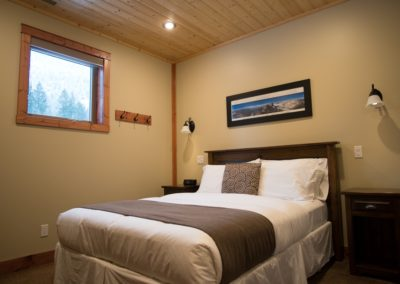 Cedar_House_Chalets_Golden_Accommodation_Mountain_View_Chalet_Bedroom (4) - Copy